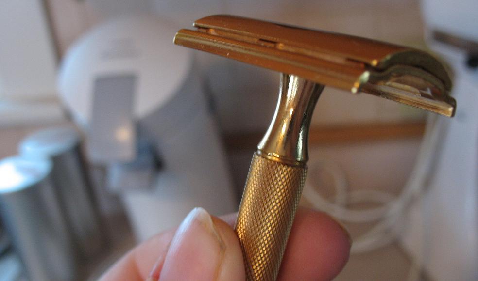 Приснилось брить волосы – толккование сна по сонникам