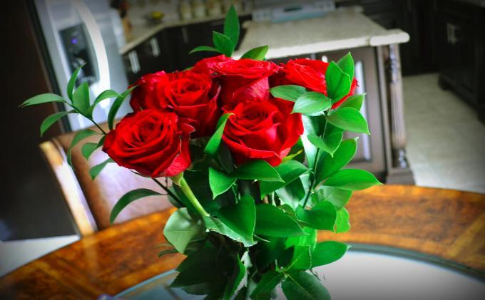 Приснился букет красных роз – токование сна по сонникам