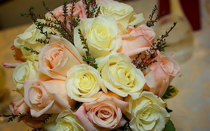 Приснился букет роз – толкование сна по сонникам