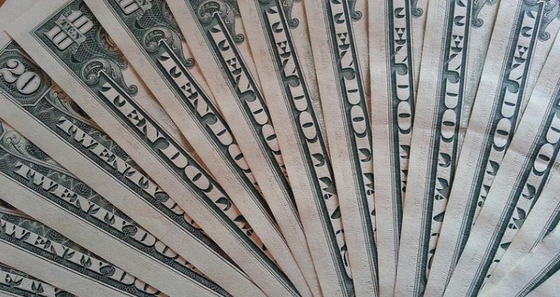 Приснились доллары: толкование сна по сонникам