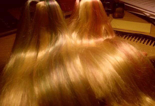 Приснился другой цвет волос - толкование сна по сонникам