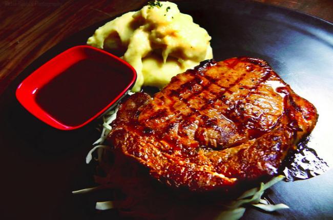 Жарить мясо - толкование сна по сонникам
